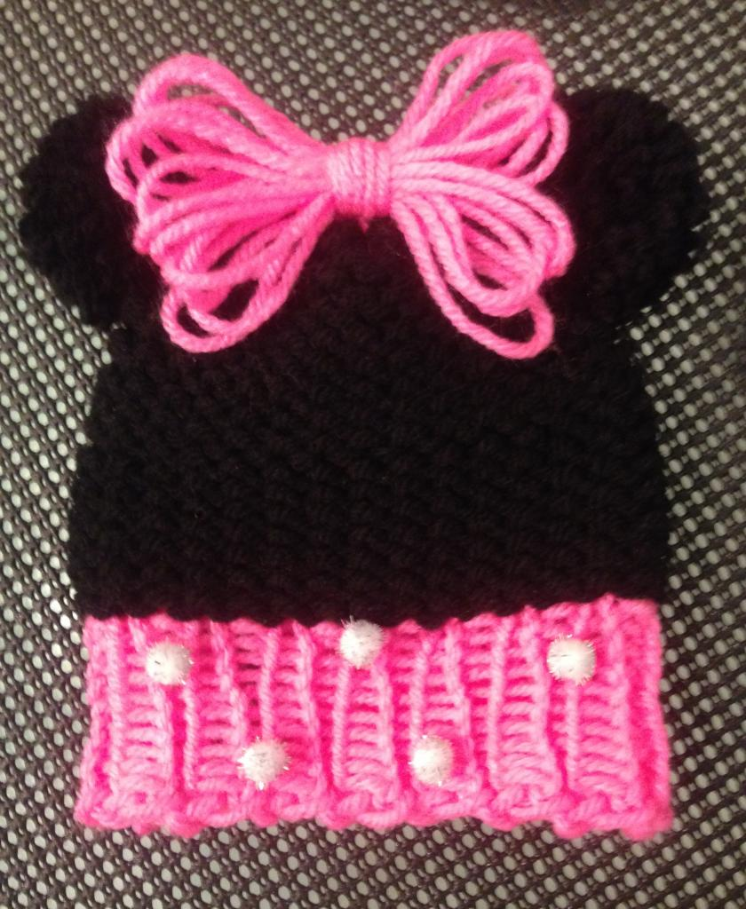 Loom-Knit-Minnie-Mouse-Hat - Baby Free Hat Pattern - LoomaHat.com