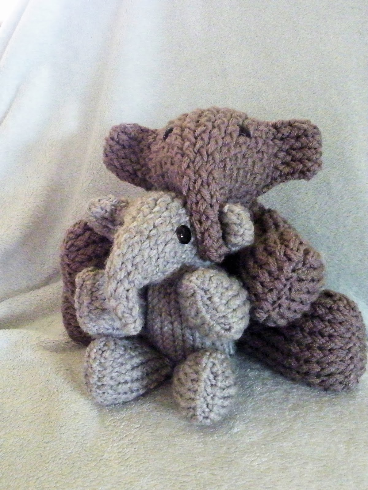 Knitting Patterns For Stuffed Dogs : Elephant - LoomaHat.com