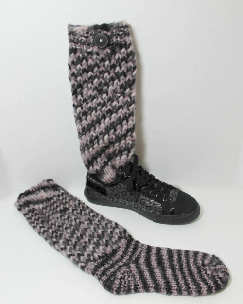 Loom Knit Sock Boots - Pattern and Video - LoomaHat.com