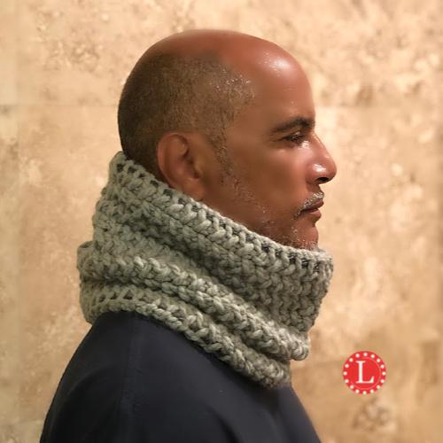 Loom Knit Chunky Mens Cowl Pattern Video - LoomaHat.com